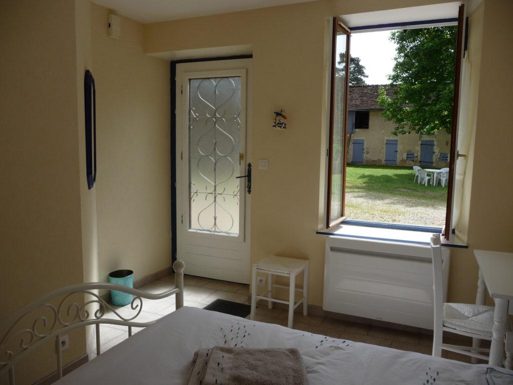 Chambre Au Fil de l'Eau Ferme du Buisson chambre d'hôte Briare