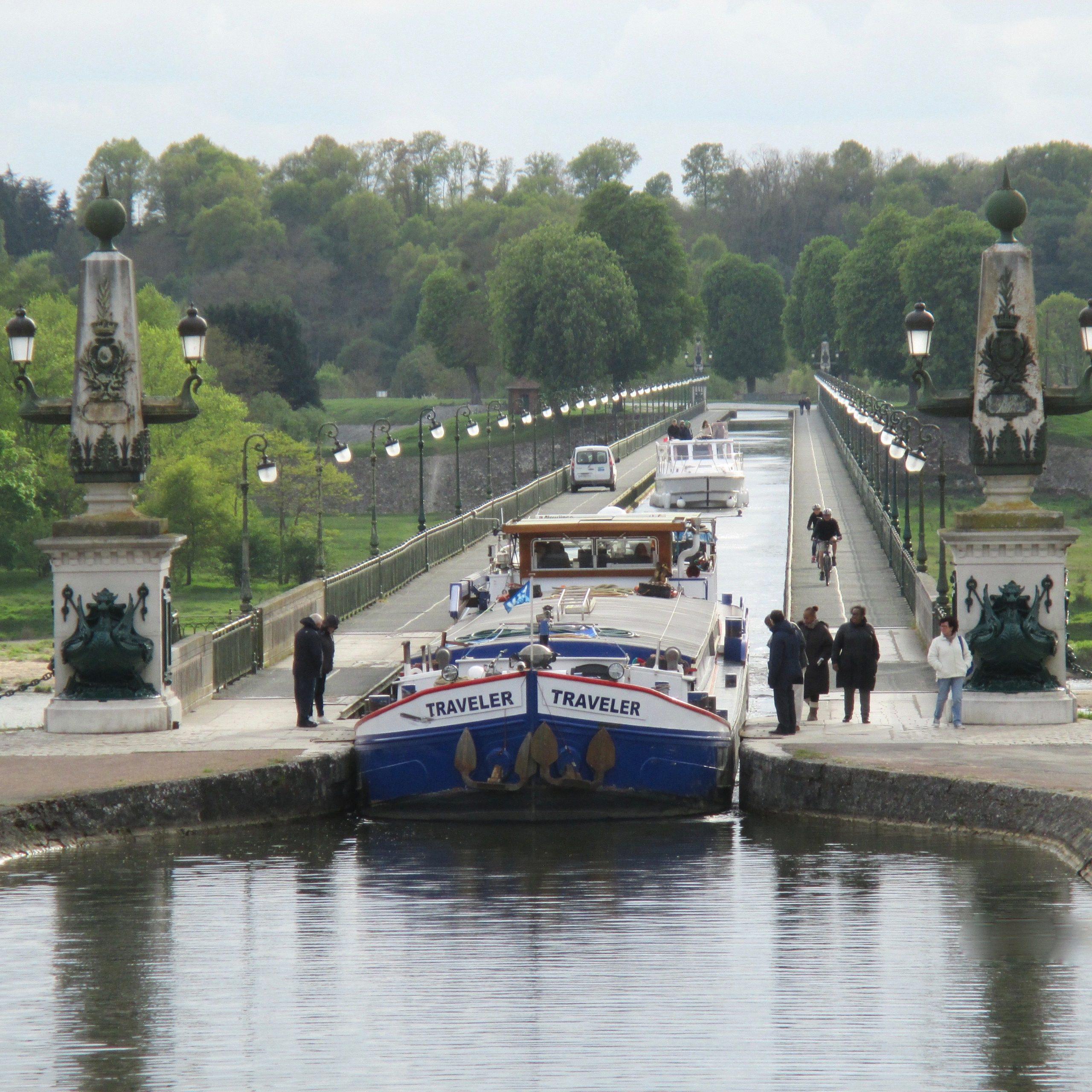 Le Pont Canal Ferme du Buisson - chambre hôtes Briare